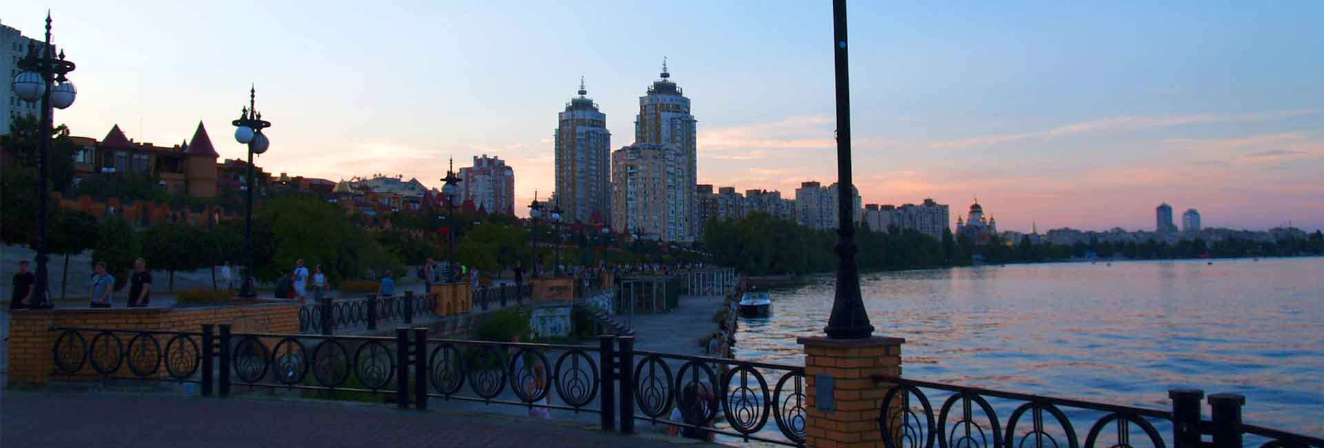 The beauty and romance of Obolonskaya embankment