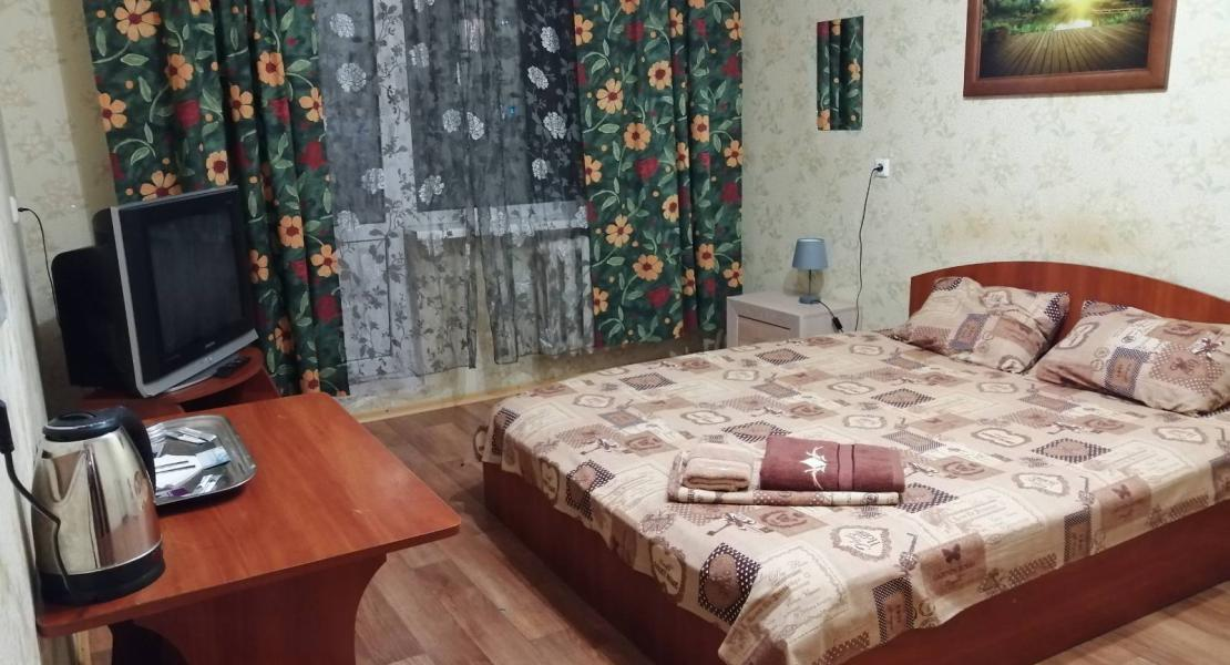 Room 1 on Zakrevskoho